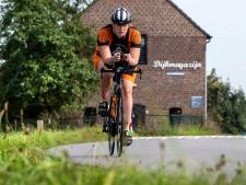 Van de rolstoel naar de triatlon; Bemmelse (30) maakt droom waar door te trainen, trainen en nog eens trainen