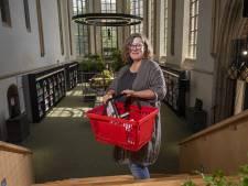 Barbara (54) is blij, ook in Zutphen mag de bibliotheek weer open: 'De ergste zorgen zijn weg en we kijken vooruit'