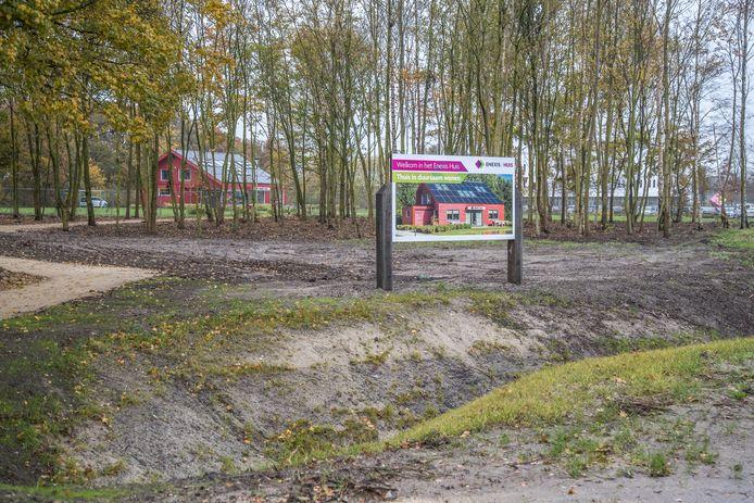Op de noordzijde van het terrein is al een duurzame woning gerealiseerd.