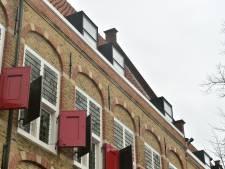 Moderne dakkapellen in Gouds weeshuis maken tongen los: passen ze wel bij het rijksmonument?