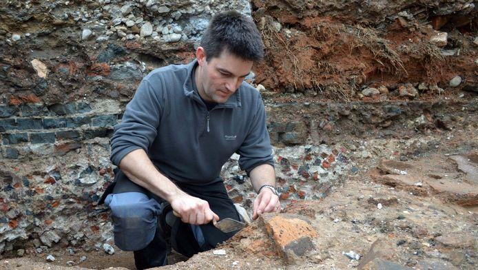 Archeoloog Steven Jongma