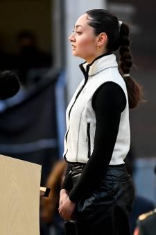 Arnhemse Amara (19) maakt indruk tijdens optreden Dodenherdenking: 'Deze tekst komt recht uit mijn hart'