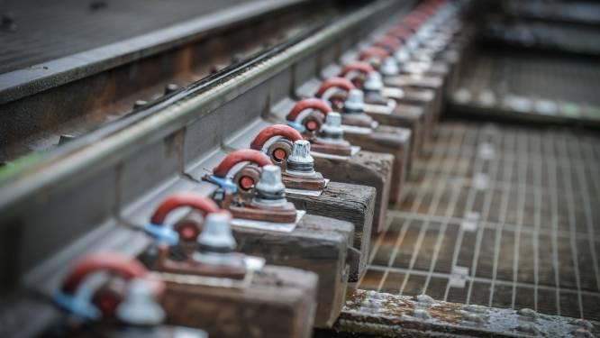 Nachtwerken op spoorlijn in Lot