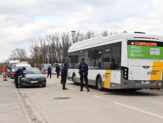 Meer dan 300 reizigers op achttien bussen gecontroleerd