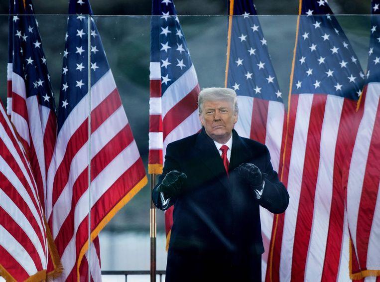 Op 6 januari hield Trump een toespraak voor zijn supporters op een terrein dichtbij het Witte Huis in Washington. Daarna bestormden zijn aanhangers het Amerikaanse Congres. Beeld AFP