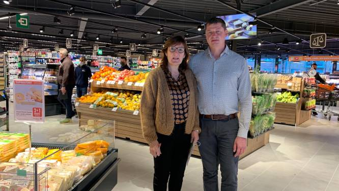 Désiree en Bruno openen Carrefour Express in Sint-Andries