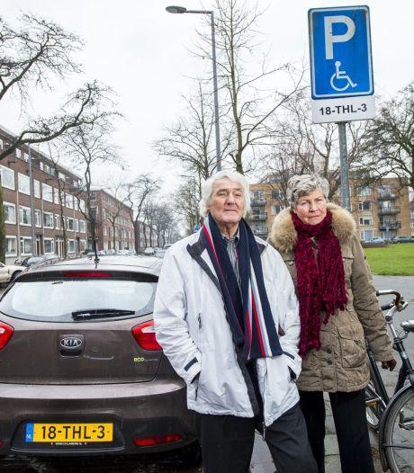 Invalide (80) is parkeerboetes van stadswachten zat