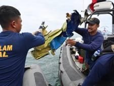 'Vermist vliegtuig vermoedelijk uit elkaar gevallen bij crash op het water'