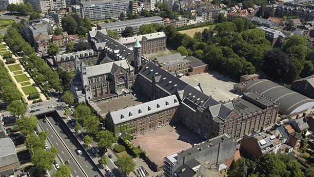 Vue aérienne sur le Collège Saint-Michel à Etterbeek, Bruxelles.