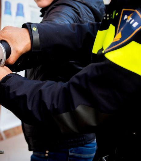 Twee Haagse tieners aangehouden voor verhandelen van gestolen inloggegevens van webwinkels