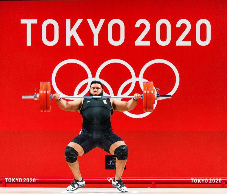 Enzo Kofi Kuworge is de eerste Nederlandse gewichtheffer op de Spelen sinds 1968 en eindigt in Tokio als zesde.  Beeld Klaas Jan van der Weij