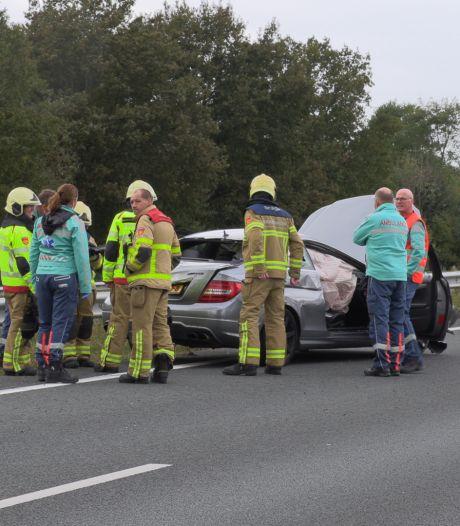 Auto slaat over de kop op A18 tussen Varsseveld en Zevenaar, één gewonde