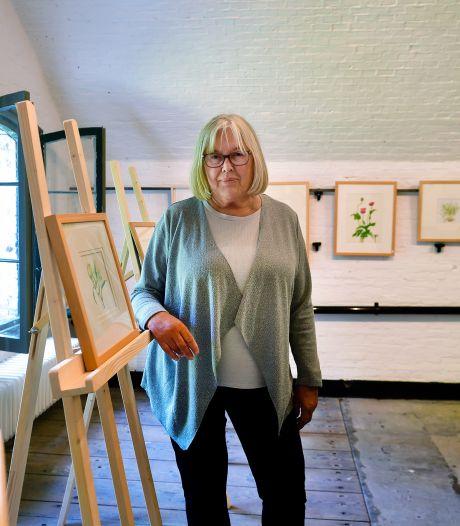 Iedere maand nieuwe kunst in Fort Sabina, botanisch kunstenares Jacomien mag als eerste