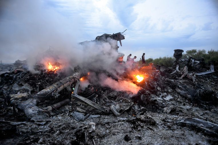 Wrakstukken van vlucht MH17 in de regio Donets in Oekraïne. Beeld EPA