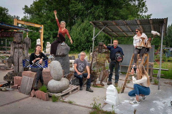 Kunstenaars en kunstwerken in de Kunstenaarskolonie die nu nog in Presikhaaf te vinden is.
