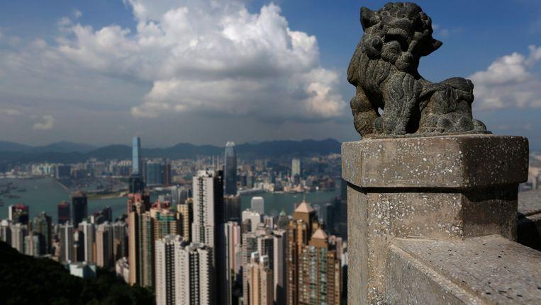 De skyline van Hongkong, dat ruim 7 miljoen inwoners telt. Beeld REUTERS