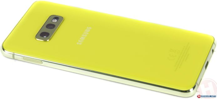 Samsung Galaxy S10e.