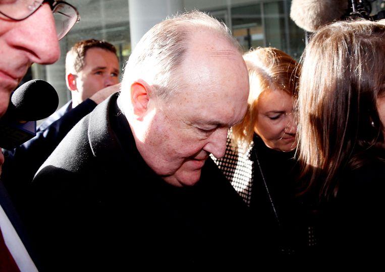 In Australië is de aartsbisschop van Adelaide, Philip Wilson, vandaag veroordeeld tot 12 maanden huisarrest voor het toedekken van kindermisbruik. Hij is de hoogste katholieke functionaris die is veroordeeld in verband met seksueel misbruik. Beeld REUTERS