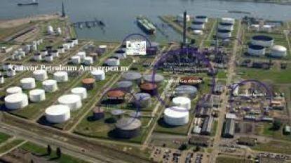 Zware brand in petroleumbedrijf in Antwerpse haven: honderden mensen geëvacueerd