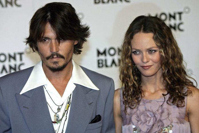 Na Winona Ryder heeft ook ex Vanessa Paradis een getuigenis afgelegd ter verdediging van Johnny Depp. De acteur klaagt zijn ex-vrouw Amber Heard aan voor smaad, na haar beschuldigingen van huiselijk geweld aan zijn adres.