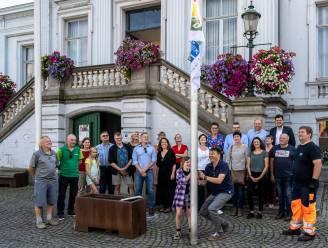 Duurzame helden hijsen vlag voor klimaat op Grote Plaats