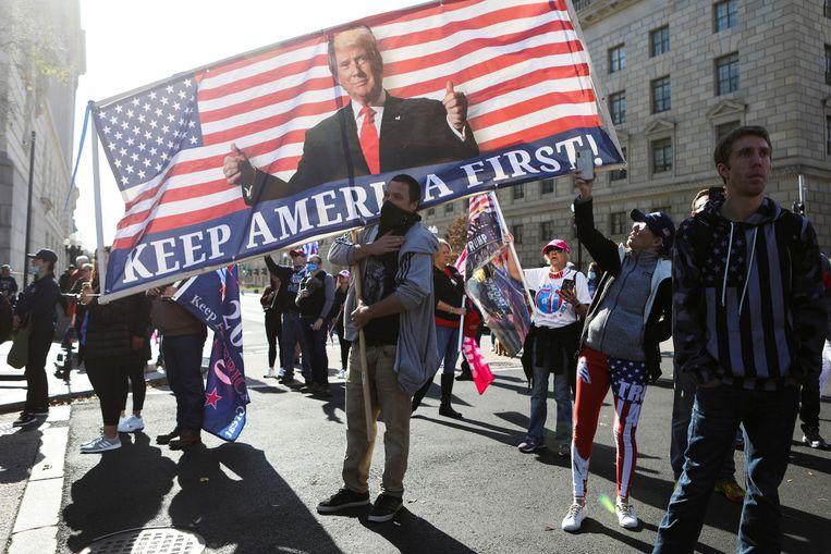 Trump-aanhangers zaterdag bij de demonstratie in Washington. Beeld EPA