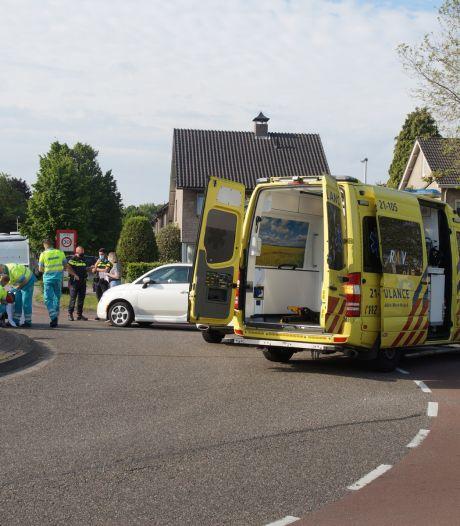 Fietser gewond door aanrijding met auto op rotonde in Drunen