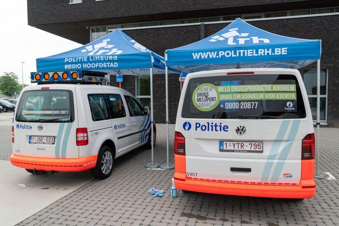Met de nieuwe banners hopen de politiekorpsen dat het anoniem drugsmeldpunt nóg bekender wordt bij het groter publiek.