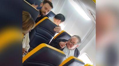 Zwarte vrouw krijgt racistische verwensingen naar het hoofd geslingerd tijdens vlucht Ryanair