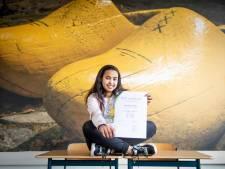 Vroomshoopse Snit (14) uit Eritrea trots op NT2-certificaat: 'Ze sloeg geen dag extra les over'