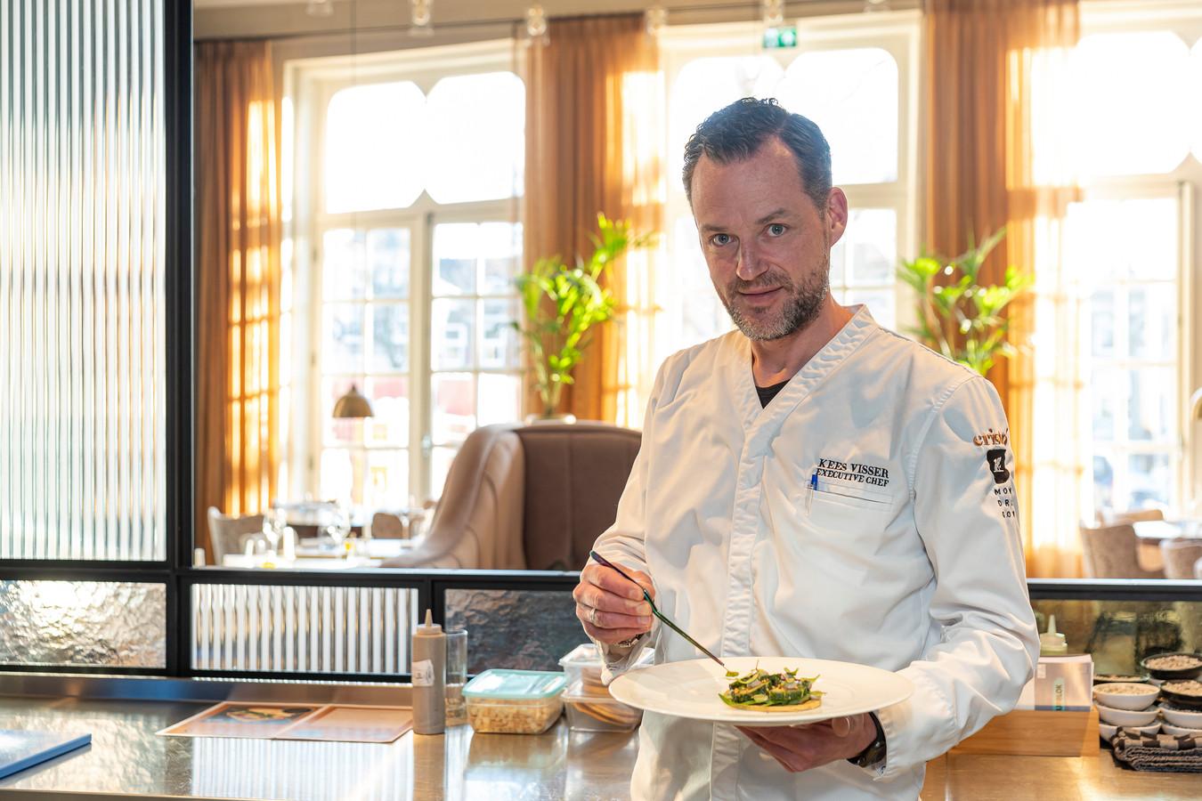 Chef Kees Visser van restaurant Cristó met zijn makreelpizza.