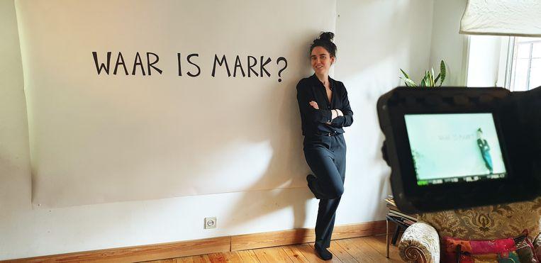 Lidewij Nuitten gaat op zoek naar haar eerste jeugdliefde in 'Waar is Mark?'. Beeld VRT