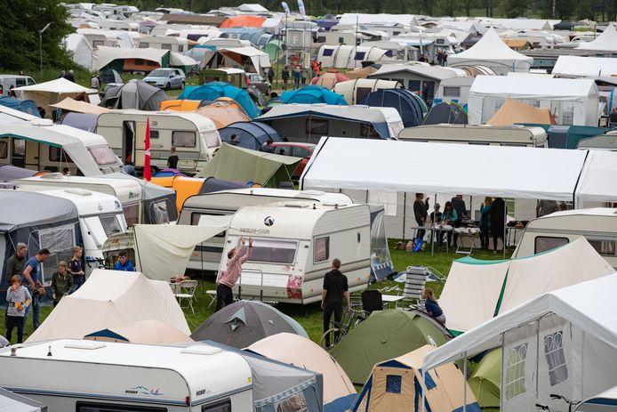 Pinksterconferentie 2018: Topdrukte op het kampeerterrein. Opwekking trok de afgelopen jaren gemiddeld 55.000 bezoekers.