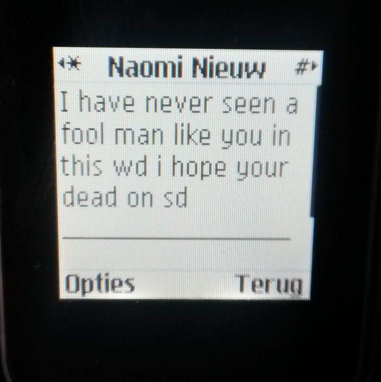 Sinds Lieven klacht indiende tegen Naomi, krijgt hij enkel hatelijke sms'en.