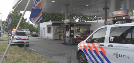 Overvaller dringt tankstation aan Houtwijklaan binnen