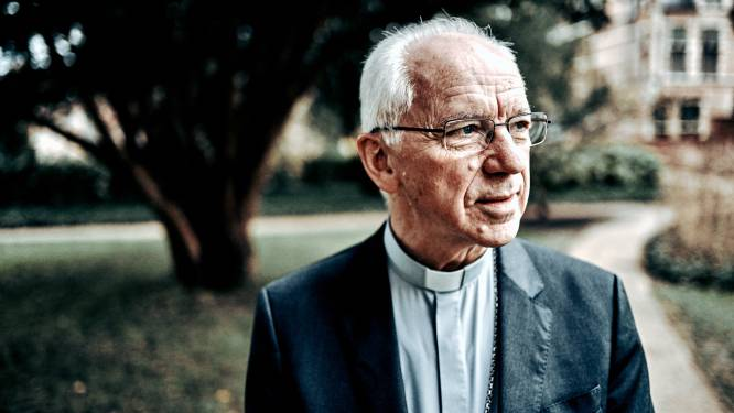 """Kardinaal De Kesel herstelt """"goed en gunstig"""" van darmkanker"""