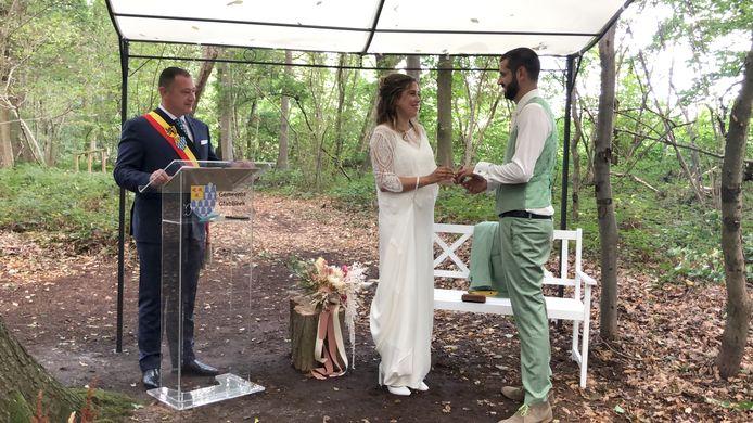 Huwelijken in open lucht, zoals op de foto in Glabbeek, zitten er in Scherpenheuvel-Zichem niet meteen in.
