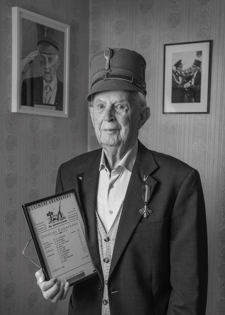 De oudste veteraan van Nederland overleed zondag. Beeld René Verleg/MinDef