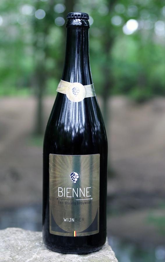 Stanneman Bienne, een uniek wijnbier dat binnenkort op de markt verschijnt.
