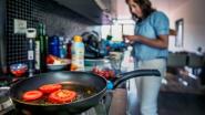 Wetenschappers binden strijd aan met anti-aanbaklaag en waterafstotende regenjas