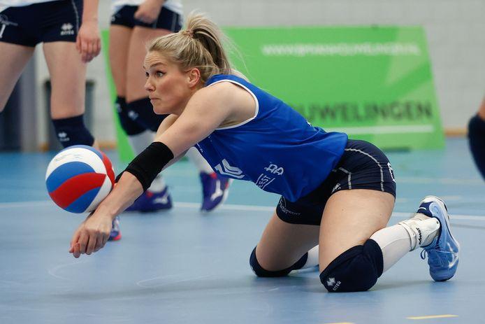 Kirsten Knip in actie namens Sliedrecht Sport waarmee ze kampioen van Nederland werd.