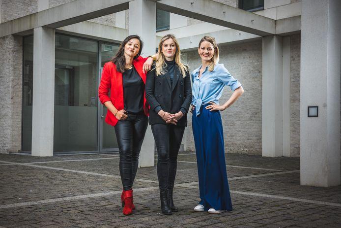 Nino Darsalia, Laura Otte en Frederieke Cloet van CDO Advocaten aan de Tondeliersite.