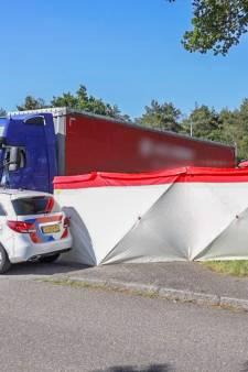 Overleden persoon aangetroffen in cabine van vrachtwagen op parkeerplaats langs A12