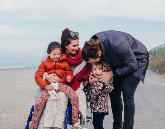 Lara Switten met haar gezin, voor de geboorte van zoontje Gabriel.