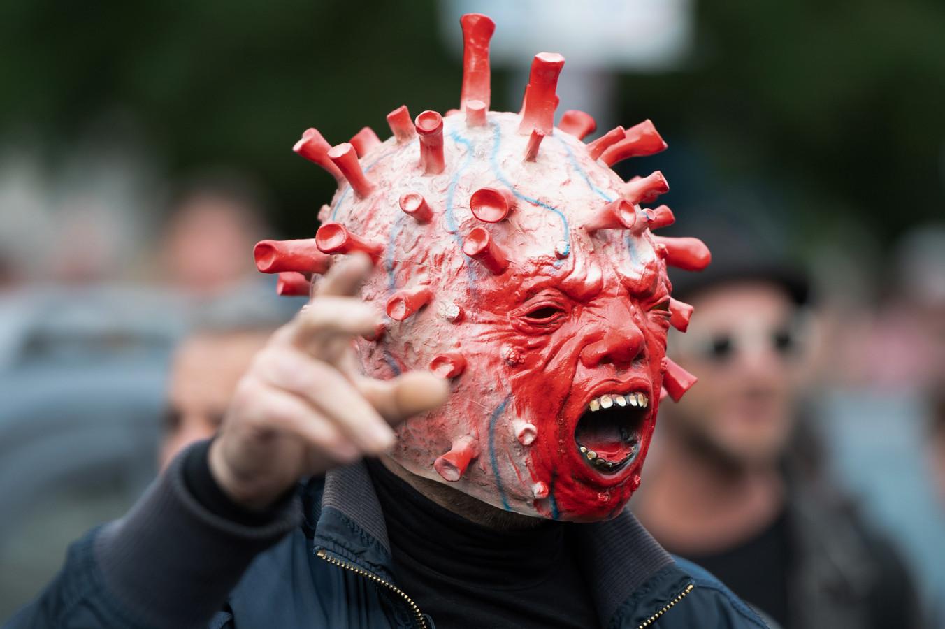 Een van de demonstranten in Berlijn. (28/08/2021)