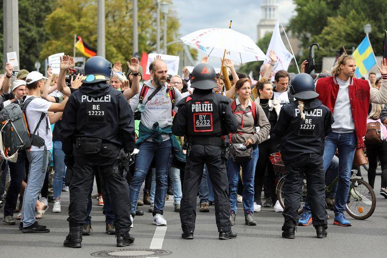 Protest tegen de coronamaatregelen in Berlijn. Beeld REUTERS