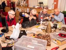 Repaircafé Soesterkwartier: poli vol zieke apparaten