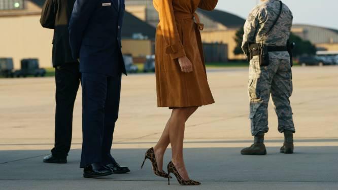 Melania Trump in haar uppie - en in luipaardschoenen - naar Afrika