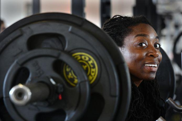 Iris Kensenhuis is Europees kampioen omdat ze 232,5 kilo tilde op het onderdeel deadliften.