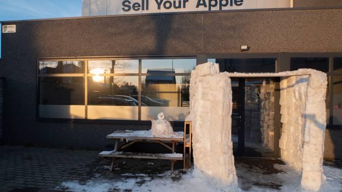 Langsgaan bij 'Sell Your Apple'? Dan moet je door zelfgebouwde iglo